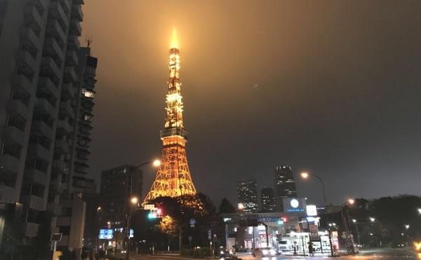【万里跑者:冷雨夜独闯东京,拿下第四个半马】